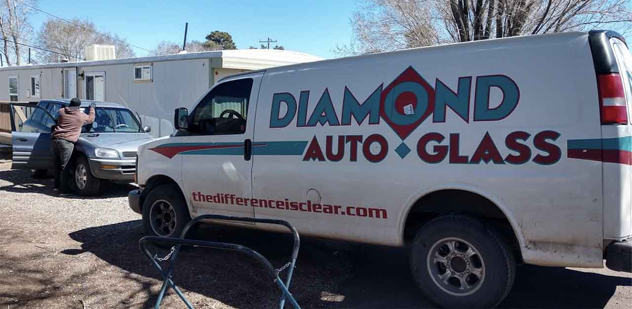 windshield repair and replacement in Phoenix, AZ
