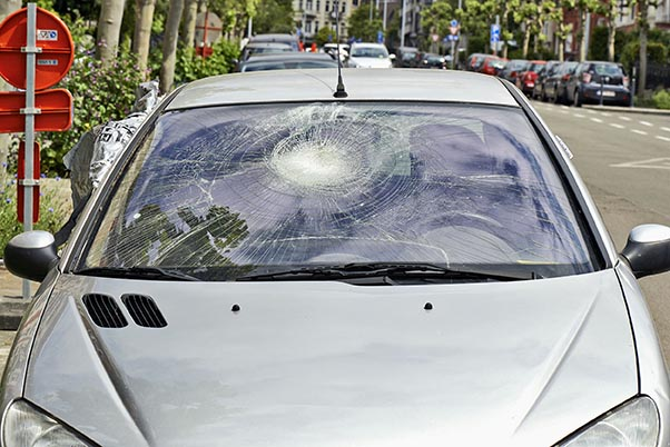Tips on Preventing Windshield Damage While Driving