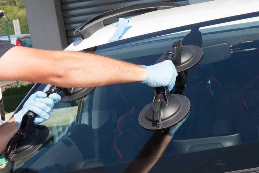 windshield repair and replacement in Winslow, AZ